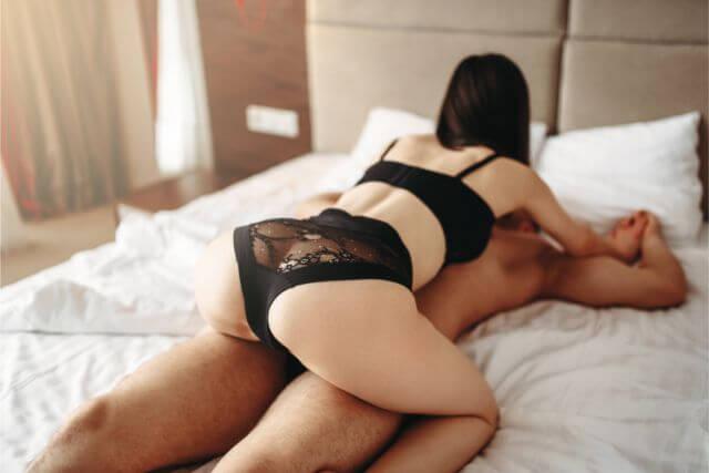 セックスに積極的な女性のイメージ画像