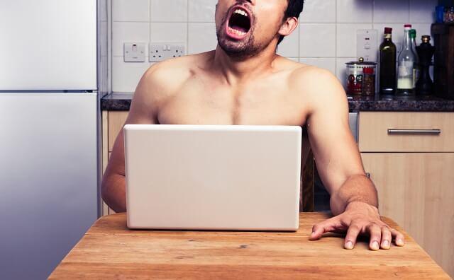チクニーをする男性のイメージ画像